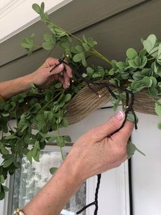 Ways To Decorate Your Front Door - The Shabby Tree Porch Garland, Greenery Garland, Diy Porch, Porch Ideas, Spring Door Wreaths, Mesh Wreaths, Christmas Wreaths, Front Door Decor, Front Porch