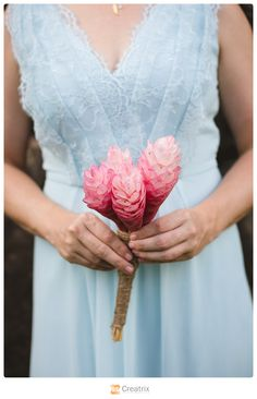 www.creatrixphotography.com | Hawaii Wedding Photography #oahu #hawaii #estateweddings #palmtrees #ocean #flowers