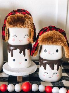 2 Buffalo Plaid Hats for Marshmallow Mug on Mercari Marshmallow Crafts, Marshmallow Peeps, Cute Marshmallows, How To Make Marshmallows, Mug Crafts, Food Crafts, Farmhouse Christmas Decor, Rustic Christmas, Holiday Decor