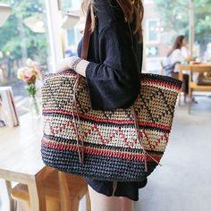 La primera bolsa es como un alfiler de francotirador - 모자,가방 Crochet Market Bag, Crochet Tote, Crochet Purses, Knit Crochet, Tapestry Bag, Tapestry Crochet, Finger Crochet, Art Bag, Jute Bags