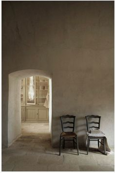 chateau in provence via messynessychic.com