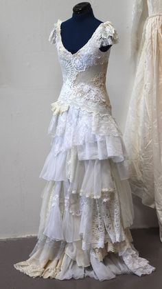 lace and shabby chic... long dress. Would be a pretty wedding dress.