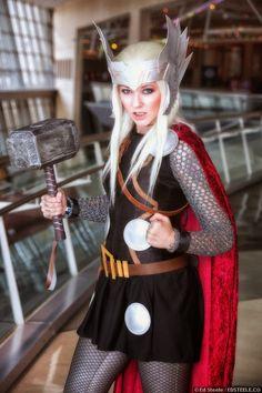 Thor Cosplay - Disfraz de Thor para mujer  Los disfraces de Thor estan disponibles en http://www.funidelia.es/tematica/thor/1514   Find your #thor costume on www.funidelia.com
