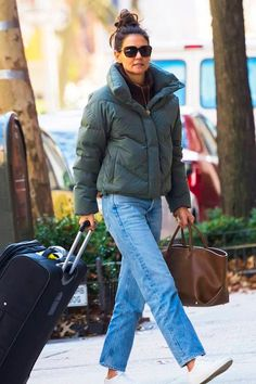 Katie Holmes Wore the Wardrobe Staples Editors Swear By | Who What Wear