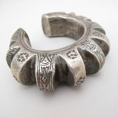 Vintage Bedouin cuff | Silver; hollow form | ca. 1920s | 240$