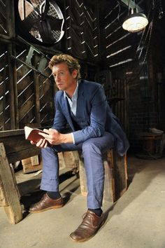 Simon Baker as Patrick Jane. The Mentalist is one of my favorite shows!