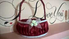 cosulet pentru domnisoara de onoare Bucket Bag, Bags, Fashion, Handbags, Moda, Fashion Styles, Fashion Illustrations, Bag, Totes