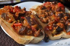 Caponata, o tocanita de vinete delicioasa Romanian Food, Cheesesteak, Bruschetta, Eggplant, Bacon, Vegan Recipes, Beef, Breakfast, Ethnic Recipes