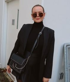 Probably my last photo without a coat for a while 👀 Autumn Winter Fashion, Fall Winter, Fashion Tips, Fashion Trends, Style Inspiration, Coat, Womens Fashion, Bags, Outfits