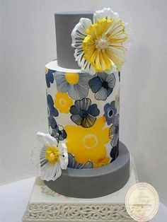 FILIGREE Wedding Cake by Il Laboratorio Di Raffy - http://cakesdecor.com/cakes/258450-filigree-wedding-cake
