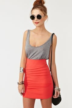 i would rock this outfit. So simple and i love wearing loose tees and tanks with pin skirts
