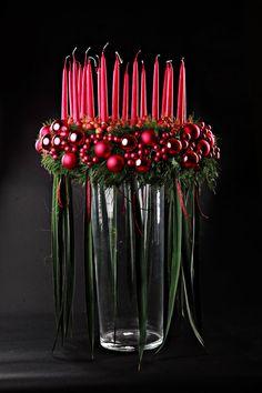 Weihnachtsdeko in üppigem Rot
