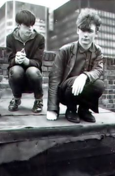 Bobby Gillespie and Jim Reid I love that boys are dressing like this again!