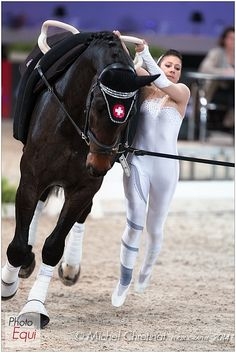 Photo : © Michel Chretinat - Photography 2013 - Equestrian Sports in Pictures Mystic Girls, Trick Riding, Yoga Photography, Action Poses, Horse Stuff, Vaulting, Dressage, Equestrian, Horses