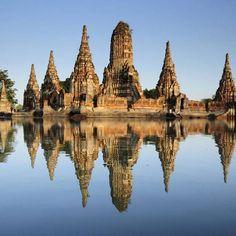 Ajutaja je oko 1700. godine bila metropola Jugoistočne Azije s oko milion stanovnika. Burmanska vojska je uništila ovaj grad 1767. godine i njegovi ostaci s velikim prangovima (tornjevi relikvija) i raskošnim samostanima, su upisani na UNESCO-v popis mesta svetske baštine u Aziji i Oceaniji 1991. god #tajland #ajutaja #starigrad #znamenitost #metropola #unesco #naucinestonovo #odmor  #razgledanje #maja_tours