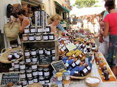 Grand #Marché Provençal à Saint Rémy de #Provence #market http://www.saintremy-de-provence.com/marches-de-provence.html