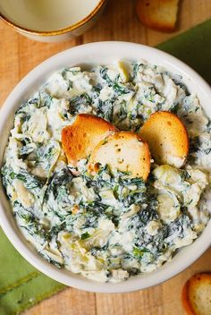 spinach artichoke dip healthy, hot spinach artichoke dip, how to make spinach artichoke dip