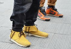 si no me equivoco son unos VISVIM de Hitoki Nakamura, Japanese Streets, Japanese Street Fashion, Me Equivoco, Shoe Story, Tommy Ton, Fashion Shoes, Mens Fashion, Minnetonka Shoes, Dress Me Up