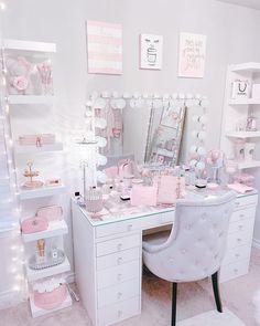 Pink Bedroom Decor, Bedroom Decor For Teen Girls, Room Design Bedroom, Room Ideas Bedroom, Beauty Room Decor, Glam Room, Pink Room, Aesthetic Room Decor, Luxurious Bedrooms