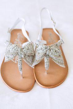 bow bridal sandals | Hunter Ryan Photo | Glamour & Grace