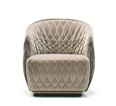 Redondo Small Armchair Designer: Patricia Urquiola Volume: Fabric: mt Weight: 25 kg A collection with a distinctive two–part shape, the padded shell embraces the huge seat cushions. Its curves are sh. Swivel Armchair, Modern Armchair, Sofa Chair, Modern Chairs, Modern Furniture, Furniture Design, Contemporary Armchair, Patricia Urquiola, Sofa Design