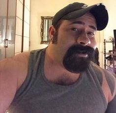 Goatee Beard, Scantily Clad, Baseball Hats, Handsome, Poses, Celebrities, Cute, Bears, Archive