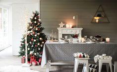 Entre blanc, gris et touches de rouge, la déco de Noël se modernise