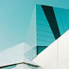 Pieces of Colored German Architecture par le photographe allemand Matthias Heiderich