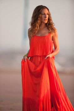 Sarah Jessica Parker as Carrie Bradshaw, Sex And The City 2 Wallpapers) – Free Wallpapers Carrie Bradshaw Outfits, Estilo Carrie Bradshaw, Sarah Jessica Parker, Jessica Smith, Coral Dress, Orange Dress, Halston Heritage, Vestidos Neon, City Outfits