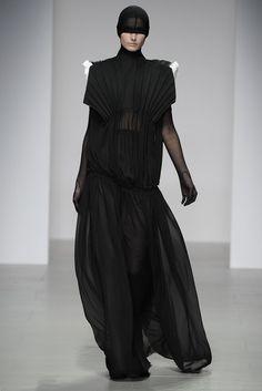 Central Saint Martins RTW Fall 2014 #fashion #lfw