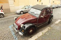that is an old fashioned car #italy #rome #car #old #retro