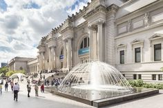 New York: Metropolitan Museum of Art Skip-the-Line Ticket aktiviteter Museum Of Fine Arts, Museum Of Modern Art, Art Museum, Metropolitan Museum, Ticket, New York City Guide, New York Attractions, Art Du Monde, The Cloisters