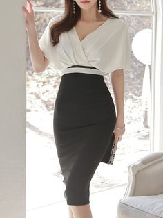 Surplice Color Block Bodycon Dress-Berrylook  cheapbodycondresses Elegant  Outfit 9791ff33e002