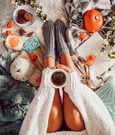 Happy Sunday Morning 🍁 via by 💓 Happy Sunday Morning, Happy Weekend, Autumn Aesthetic, Aesthetic Fashion, Weekender, Autumn Inspiration, Style Inspiration, Autumn Cozy, Autumn Fall