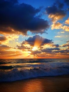 #SunriseThisMorning #FortLauderdaleBeach  Courtesy of Fort Lauderdale Seaside Photography