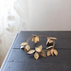 Guirlande de grandes feuilles or