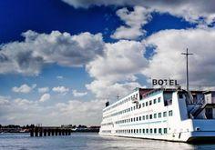 Een unieke overnachting op het water vind je bij Botel; een hotel-en-boot in één, dichtbij het centrum van Amsterdam!