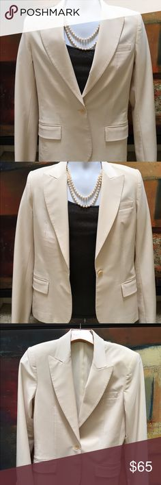 Theory Women's Blazer size 10 Theory woman's blazer off-white  one button Single vent single breasted classic with notched lapels front pockets and a back vent. size 10 measurements chest (pit to pit) 18 inches sleeve length 24 inches vertical length 24 inches. Polyester blend, preowned in excellent condition no stains rips holes snags fading missing buttons or flaws Theory Jackets & Coats Blazers