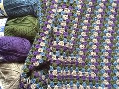 Peitto valmistumassa, lanka Nalle the colors! Granny Square Crochet Pattern, Crochet Shawl, Easy Crochet, Free Crochet, Knit Crochet, Crochet Patterns, Crochet Afghans, Crochet Blankets, Baby Blankets