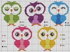Nice little owls in color, too cute I think. Cross Stitch Owl, Cross Stitch Books, Cross Stitch Cards, Cross Stitch Animals, Cross Stitch Designs, Cross Stitching, Cross Stitch Embroidery, Cross Stitch Patterns, Crochet Pixel
