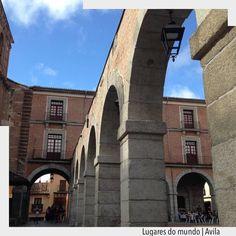 Ávila é município da Espanha fica situado aproximadamente 1h de Madri.  Cidade toda murada é Patrimônio Histórico da Humanidade. O principal passeio claro é andar pela muralha de mais de 2.500 metros 87 torres e imaginar como era a vida na Idade Média. Assim como em Toledo cristãos muçulmanos e judeus conviveram pacificamente na cidade.  @arquiteturadecoracao . . . . http://ift.tt/1U7uuvq arqdecoracao arqdecoracao @arquiteturadecoracao @acstudio.arquitetura  #Interiores #design #home #world…