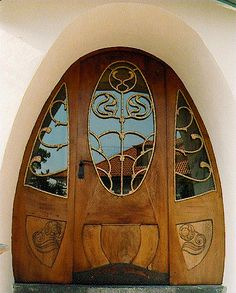 Art Nouveau door on the House Muller in Darmstadt, Germany | via artnouveay.pagesperso-orange.fr...