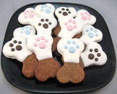 Homemade Dog Food Gourmet Dog Treats- the pink ones are so cute for Skye! Puppy Treats, Diy Dog Treats, Gourmet Dog Treats, Healthy Dog Treats, Dog Biscuit Recipes, Dog Treat Recipes, Dog Food Recipes, Homemade Dog Cookies, Homemade Dog Food