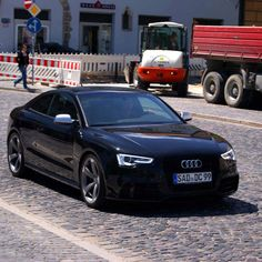 """I like how this Audi S5 black edition retains the understated styling of its less powerful cousin but the """"loud"""" black edition wheels and black paintwork further add to this car's intent."""