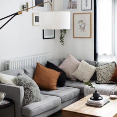 48 modern and comfortable sofa ideas for your living room decoration - Page 19 of 48 - LoveIn Home Small Living Room Design, Simple Living Room, Living Room On A Budget, Small Living Rooms, Living Room Sets, Living Room Designs, Living Room Decor, Sofa Inspiration, Beautiful Sofas