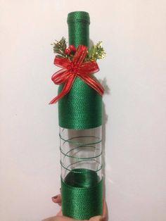 Garrafa Natal decorada feita com barbante