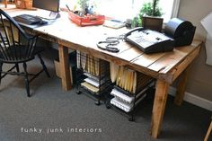 Large DIY Desk Made Of Wood Pallets That Reminds A Farm Table | Shelterness