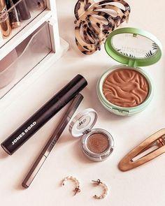 "Maddie Elaine | Beauty Blog on Instagram: ""Current makeup favorites 🌸 @jonesroadbeauty The Mascara: this gives me the look of false lashes - I'm obsessed! @hudabeautyshop Brow…"" Physicians Formula, False Lashes, Brow, Mascara, Give It To Me, Makeup, Beauty, Instagram, Eyebrow"