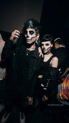 Halloween Parejas, Tumblr Couples, Freestyle Rap, Stranger Things Netflix, Halloween Disfraces, Dark Wallpaper, My Boyfriend, Michael Jackson, Couple Goals