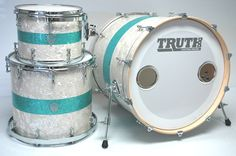 Truth Custom Drums » Pretty awesome color combination! I love the Marine Pearl with the teal color sparkle.
